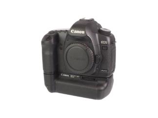 Canon EOS 5D MK II + BG-E6