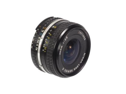 Nikkor 2,8/28mm Ais Serie E