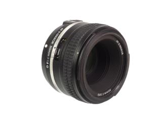 Nikon AF-S 1,8/58mm DF-Edition