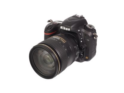 Nikon D750 + AF-S 4/24-120mm VR