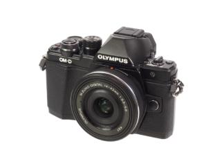 Olympus OM-D E-M10 II + 14+42mm EZ