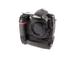 Nikon D300 + MB-D10