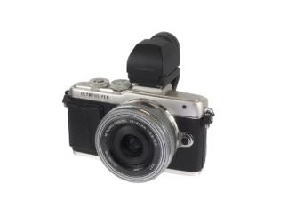 Olympus E-PL7 + 14-42mm + VF-3