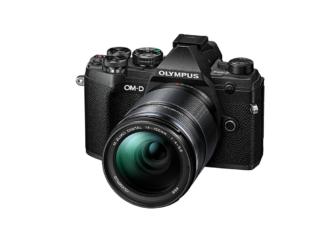Olympus OM-D E-M5 Mark III + 4-5,6/14-150mm schwarz