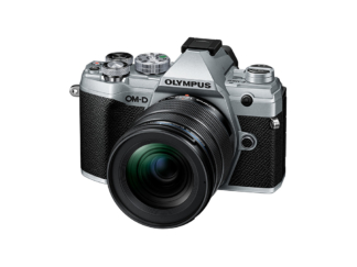 Olympus OM-D E-M5 Mark III + 4,0/12-45mm silber