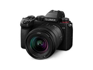 Panasonic Lumix S5 + Lumix S 3,5-5,6/20-60mm