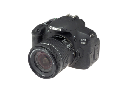 Canon EOS 700D + EF-S 18-55mm STM