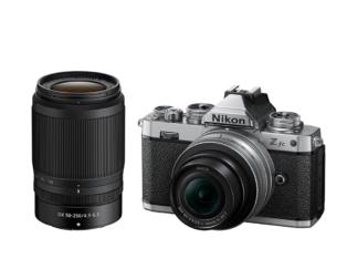 Nikon Z fc Kit mit 3,5-6,3/16-50mm VR 'Silver Edition' und 4,5-6,3/50-250mm VR + 5-Jahre-Garantie-Aktion